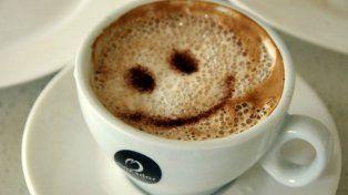 Los servicios especiales en la cafetería serán brindados por robots con apariencia humana.