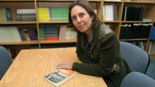 Silvia Finocchio dice que a la hora de elegir revistas educativas los docentes se inclinan por las que ofrecen pastillitas de autoestima.