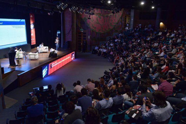 El Social Media Day del año pasado se realizó en el teatro del Parque de España. Este año