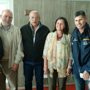 Las distintas Cámaras de taxis junto a la secretaria del Ente de la Movilidad, Mónica Alvarado.
