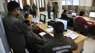 monitoreo. El centro de control que montó Gendarmería en el Destacamento Móvil II para chequear los operativos.