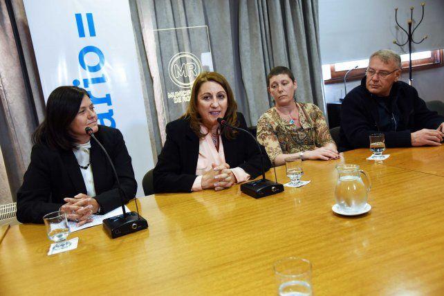 Fein y Alvarado participaron de la presentación en el municipio. (Foto: Municipalidad de Rosario)