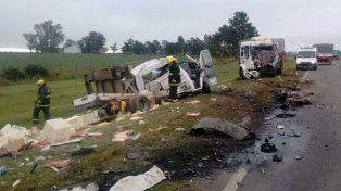 fatal. Los dos choferes murieron en el accidente ocurrido en la mañana de ayer.