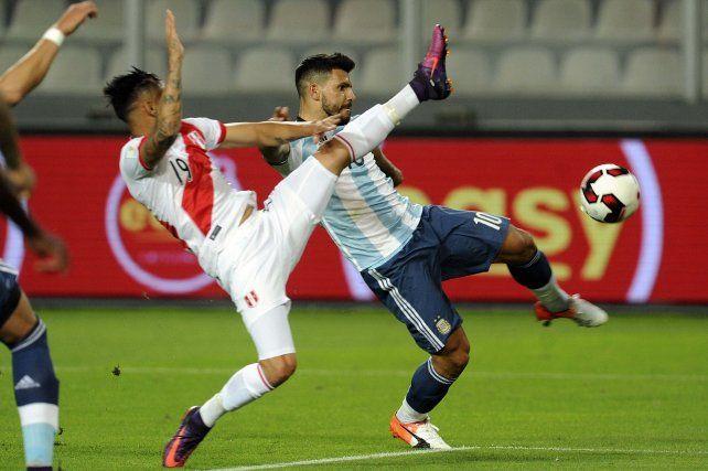 Argentina llegó poco y fue efectivo pero no supo mantener la victoria: fue 2 a 2 con Perú