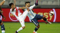 argentina llego poco y fue efectivo pero no supo mantener la victoria: fue 2 a 2 con peru
