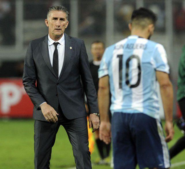 Medido. El Patón no se mostró conforme ni fastidiado por el nuevo empate argentino.