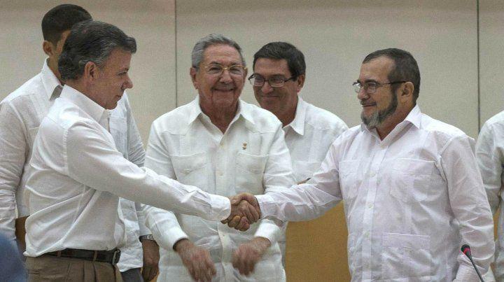 Frente a Raúl Castro