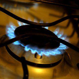 el gobierno oficializo el  incremento del gas con tope del 300 por ciento para usuarios residenciales