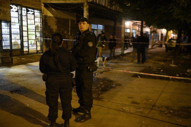 Escena del crimen. El lugar donde cayó el cuerpo de Tamara Bustos tras el ataque a balazos.