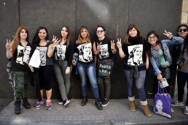Mujeres de todo el país se dan cita en Rosario para debatir diversas temáticas de género.