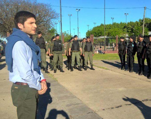 En territorio. El ministro Pullaro lanzó el operativo en el Parque del Mercado.