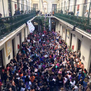 A pleno. Así lucía ayer el Liceo Avellaneda, una de las sedes en las que se desarrollaron diversos talleres.