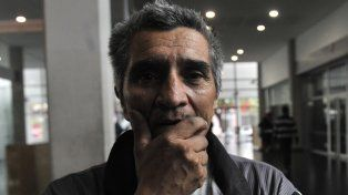 Sin consuelo. Walter Mena sepultó a su hijo hace una semana. Antes, bajo amenazas, tuvo que irse del barrio donde vivía.