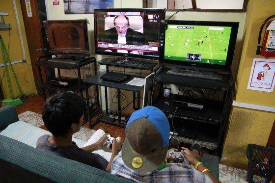 China estudia prohibir que los chicos jueguen a videojuegos a partir de la medianoche