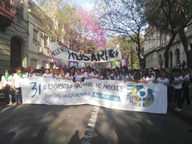 La marcha tomó Santa Fe hacia Oroño y desde allí hasta Pellegrini