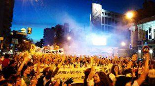 Más de 70 mil mujeres invadieron las calles para reclamar por sus derechos.