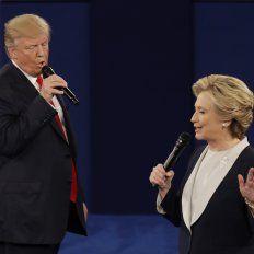 Con todo. Trump y Hillary Clinton se enfrentaron anoche en St. Louis, Missouri. Falta todavía el tercer encuentro.