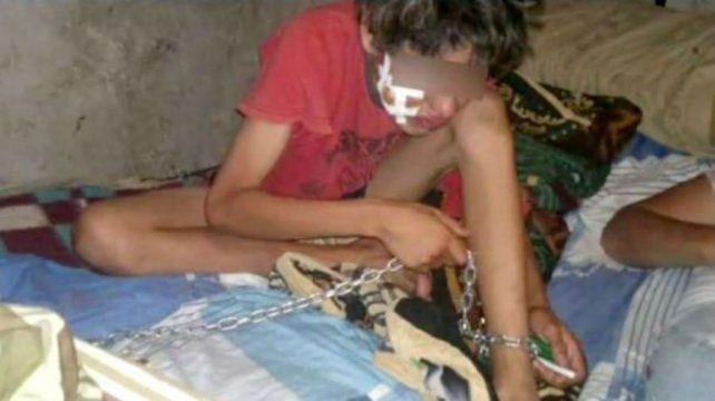 Una madre ató a su hijo de 14 años a la cama para evitar que siga consumiendo paco