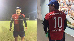 Maxi Rodríguez publicó en su Twitter las imágenes de Maradona con la 10 leprosa.