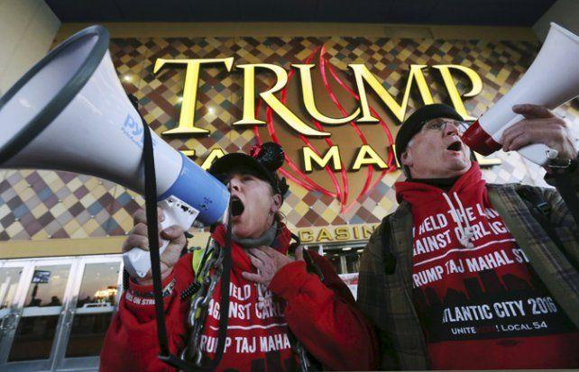 En la calle. Los trabajadores reclaman una histórica deuda.