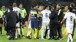 Escándalo. Los jugadores de Olimpia se retiran antes de terminar el partido en Jujuy.