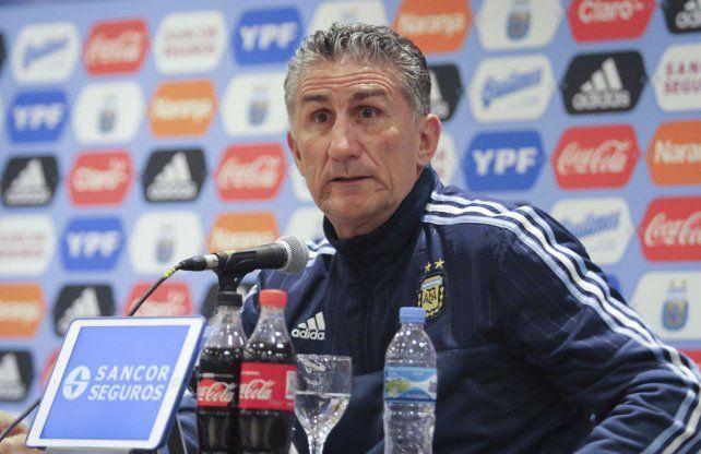En conferencia de prensa. El Patón Bauza explicó ayer los cambios que introdujo en la selección para enfrentar esta noche a Paraguay.