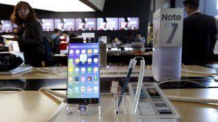 Samsung retiró de la venta el Galaxy Note 7 y aconsejó a sus usuarios que los apaguen