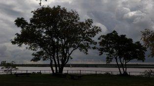 Lunes húmedo y lluvioso como antesala a un martes de tormentas