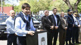 El ministro de Seguridad Maximiliano Pullaro destacó la labor policial en la contención del grupo que atacó la Catedral.