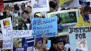 La marcha en Buenos Aires fue multitudinaria.