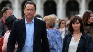 La Dupla protagónica. Tom Hanks y Felicity Jones deberán frustrar el plan de un científico villano que va por todo.
