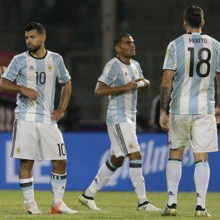 Ya fue. Higuaín, Demichelis, Agüero, Mercado y Pratto, tras la derrota.