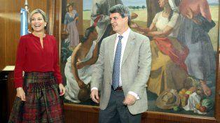 El ministro recibió a la reina de Holanda en el Palacio de Hacienda.
