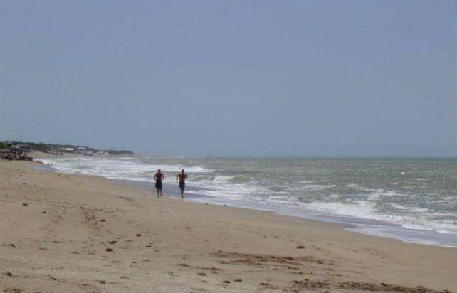 La adolescente fue trasladada a un centro asistencial de Playa Serena
