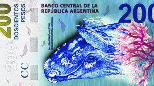 Dos gambas. El nuevo billete de 200 pesos tiene una imagen de una ballena franca austral.