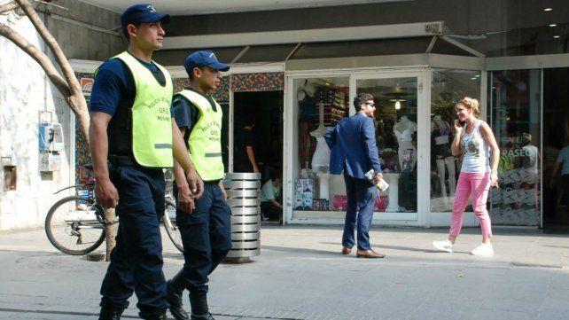Mayor presencia de policías en los barrios. Ese es el mayor reclamo de los vecinos.