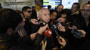 El gobernador Miguel Lifschitz admitió que Santa Fe no puede pagar un bono de fin de año.