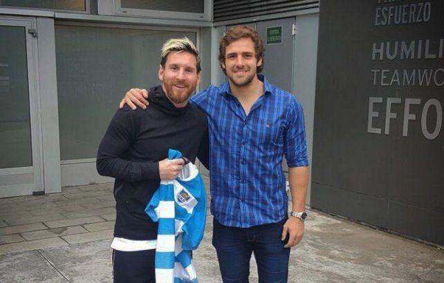 El encuentro entre Messi y Sánchez fue retratado en las redes sociales.