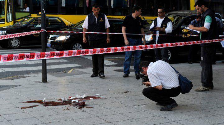 Rastros. La esquina de Corrientes y Pellegrini en la que cayó exánime Quemadito Rodríguez con un tiro en la nuca.