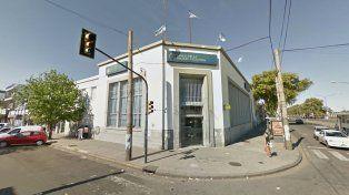 Un cliente de la sucursal del Banco de la Nación ubicado en San Martín y 27 de Febrero fue víctima de una salidera.