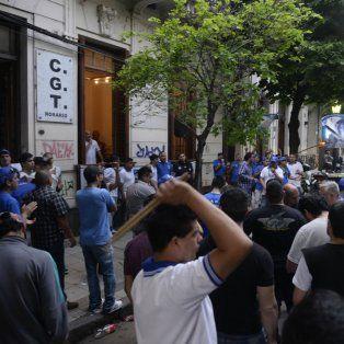 La Juventud Sindical Rosarina marchó a la CGT de Rosario para pedir la normalización de la central local y reclamar un paro en la ciudad