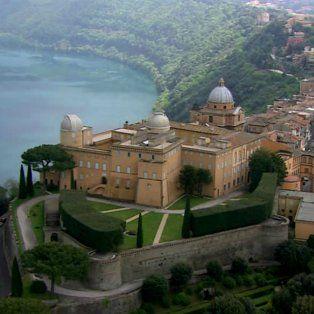 Tradición rota. Castel Gandolfo era usado por los pontífices desde el siglo XVII. Francisco no toma vacaciones.