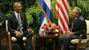 Histórico. Obama mantiene un encuentro con Raúl Castro durante su histórica visita a Cuba