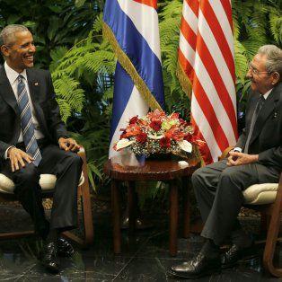Histórico. Obama mantiene un encuentro con Raúl Castro durante su histórica visita a Cuba, en marzo de este año.