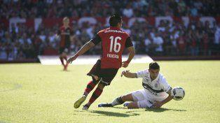 Figueroa juega desde el arranque en el equipo rojinegro.