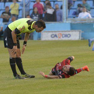 Scocco sufre una lesión en el nervio ciático que lo mantiene alejado de las canchas.
