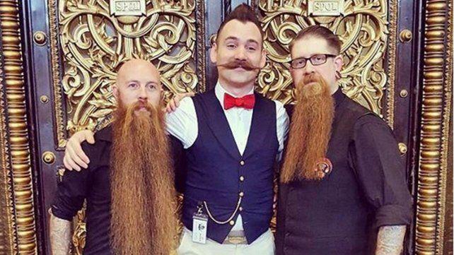 Barbas, bigotes y tatuajes en la convención internacional de Bucarest
