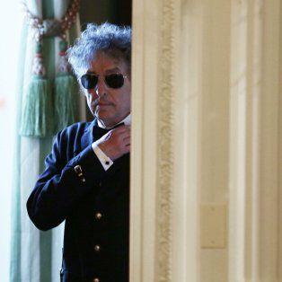 El cantante y compositor Bob Dylan, ganador del premio Nobel de Literatura, no le atiende el teléfono a la Academia Sueca.
