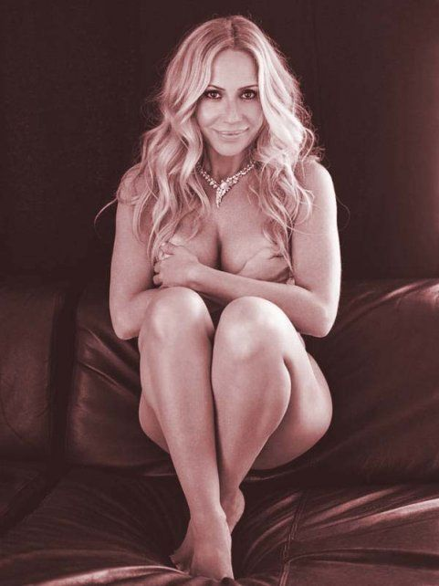 Marta Sánchez se animó a posar desnuda en la revista Yo Dona para concientizar sobre el cáncer de mama