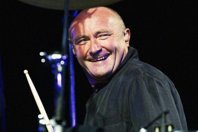 No piensa en el retiro: Phil Collins saldrá de gira pero no tocará la batería